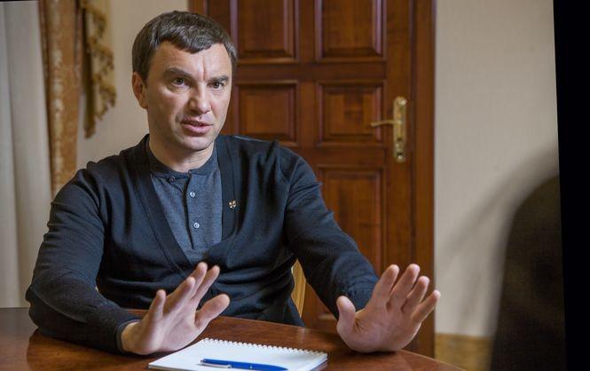 Народний фронт проголосує за призначення Юрія Луценка новим генеральним прокурором, якщо його заступником стане депутат від НФ Дмитро Сторожук.