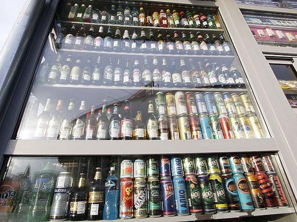 Київська міська рада вирішила відтермінувати запровадження заборони на продаж спиртних напоїв у столичних кіосках.