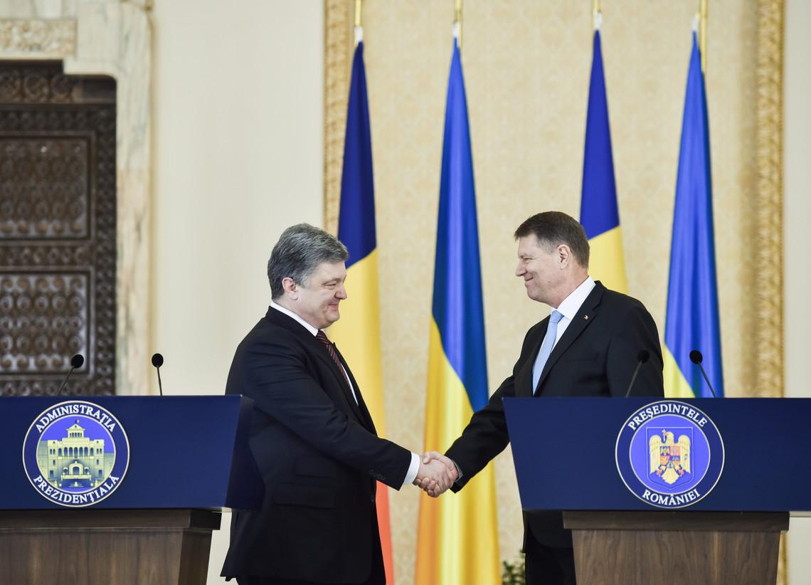 Президент України Петро Порошенко провів зустріч із главою румунської держави Клаусом Йоганнісом.