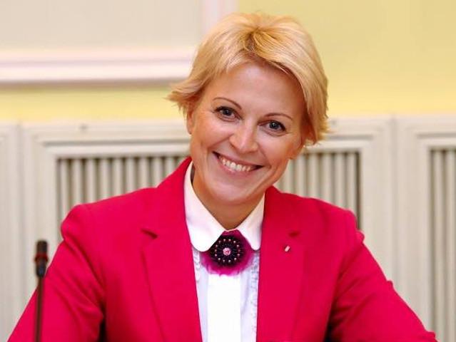 Заступник міністра фінансів України Олена Макеєва написала заяву про звільнення з посади у відомстві.