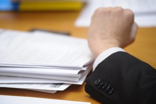 Сьогодні, 1 травня, офіційно набув чинності Закон Про держслужбу, який забороняє всім держслужбовцям займатися політичною агітацією.