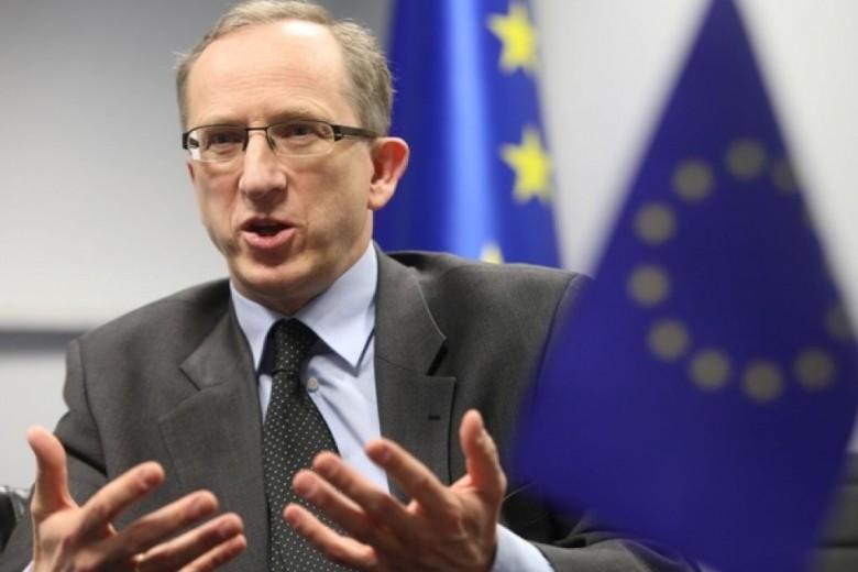 Голова Представництва ЄС в Україні нагадав представникам влади про їхні обіцянки щодо прозорого розслідування одеської трагедії 2 травня 2014 року.