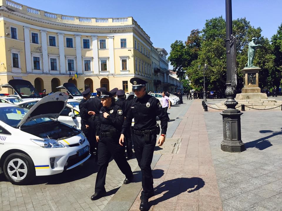 Одеські правоохоронці перевірили Куликове поле в місті на предмет вибухонебезпечних речовин.
