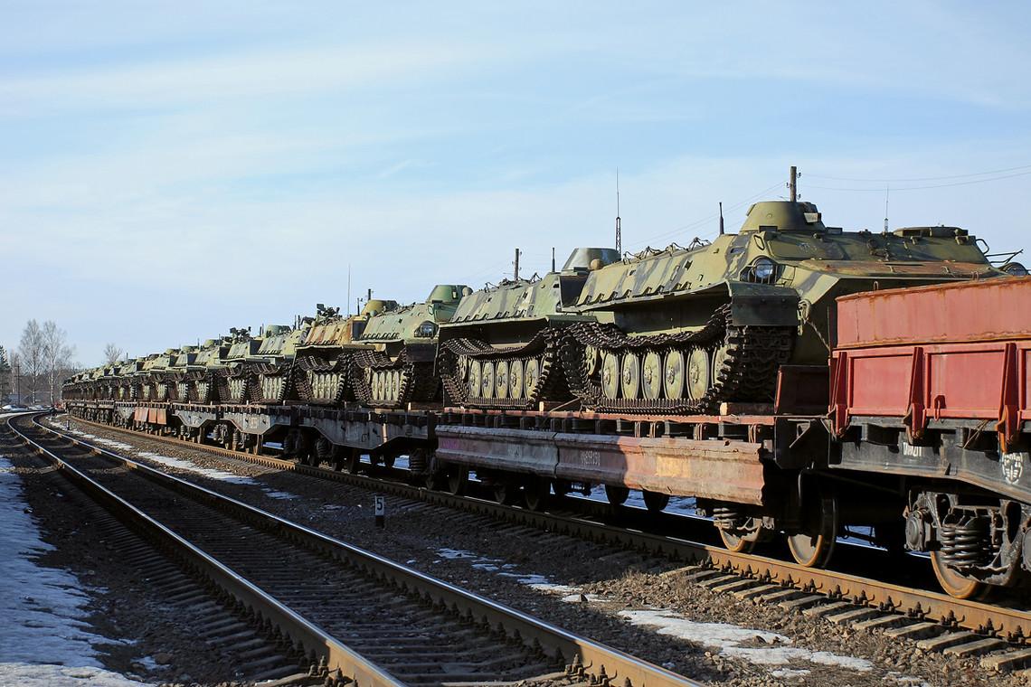 Головне управління розвідки Міністерства оборони України зафіксувала прибуття до Луганська БМП з Росії.
