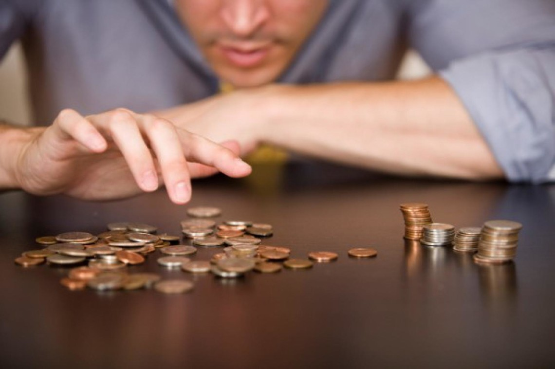 Наявний номінальний дохід в розрахунку на одну людину в 2015 році порівняно з 2014 роком склав 31,08 тис. грн проти 26,8 у 2014 році.