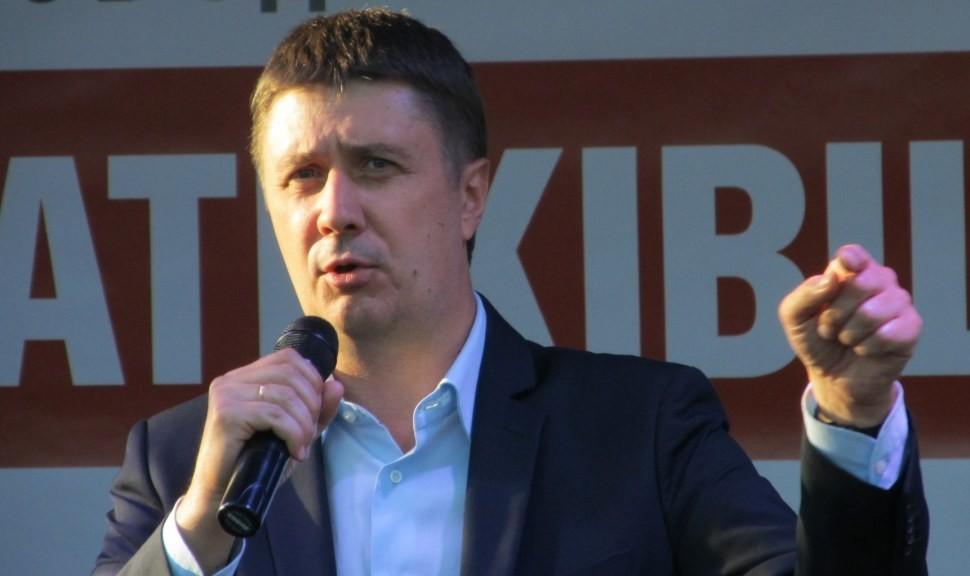 Цей закон не буде поширюватися на українські та іноземні книги, а лишена ті, що привезені з країни-агресора.