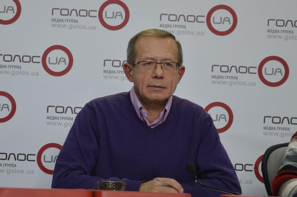 Директор Інституту політичного аналізу та міжнародних досліджень поділився міркуваннями щодо ситуації на Донбасі та можливості зняття санкцій з РФ.