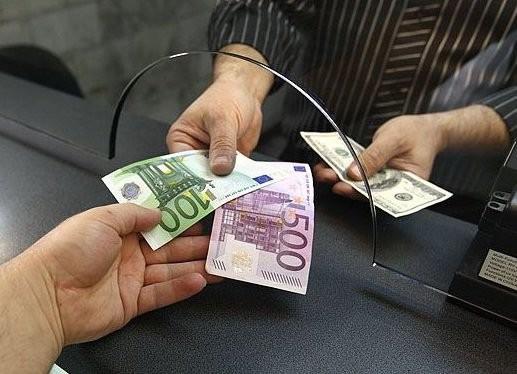 З початку року в Україну з-за кордону надійшло понад півмільярда доларів США, в той час як за межі країни було перераховано лише 82 млн.