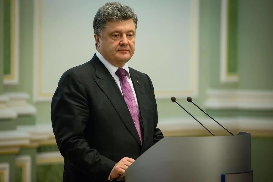 Президент Петро Порошенко зізнався, що не може гарантувати, що в 2016 році взагалі не буде нової хвилі мобілізації.