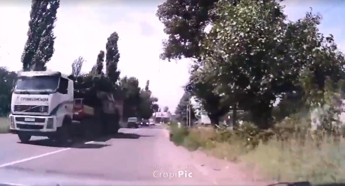 Сьогодні в Інтернеті з'явилося нове відео перевезення російського Бука через окуповану Макіївку.
