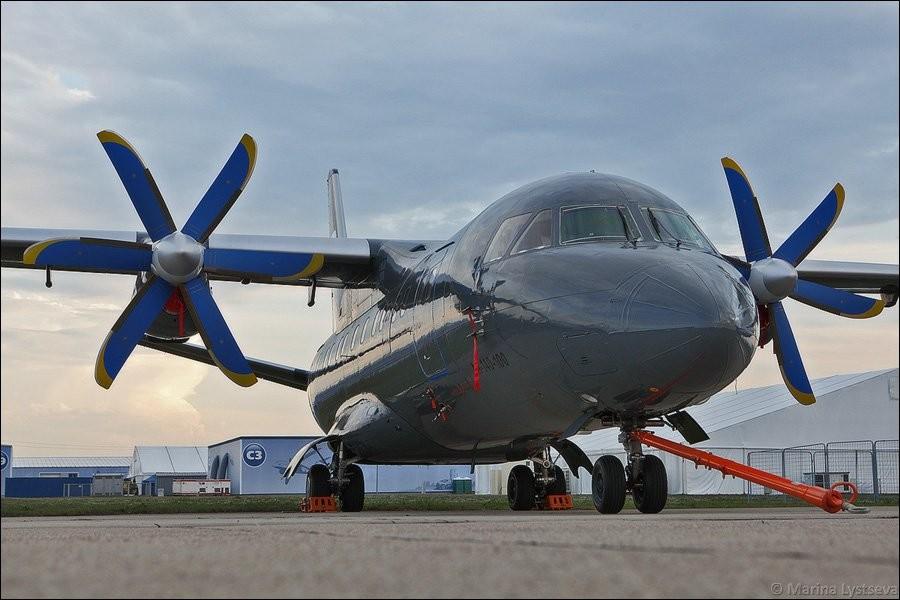 В якості альтернативи Ан-140 (вміщує 52 пасажири) для масових перевезень Росією на нараді називалися Іл-114 (64 пасажири), російсько-китайський турбогвинтовий МА700 (83 пасажири) й Ту-324 (50 пасажирів).