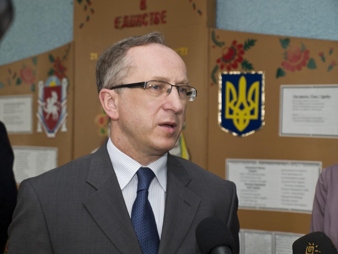 Посол ЄС в Україні Ян Томбінський привітав народного депутата Рефата Чубарова із перемогою Джамали на Євробаченні-2016.