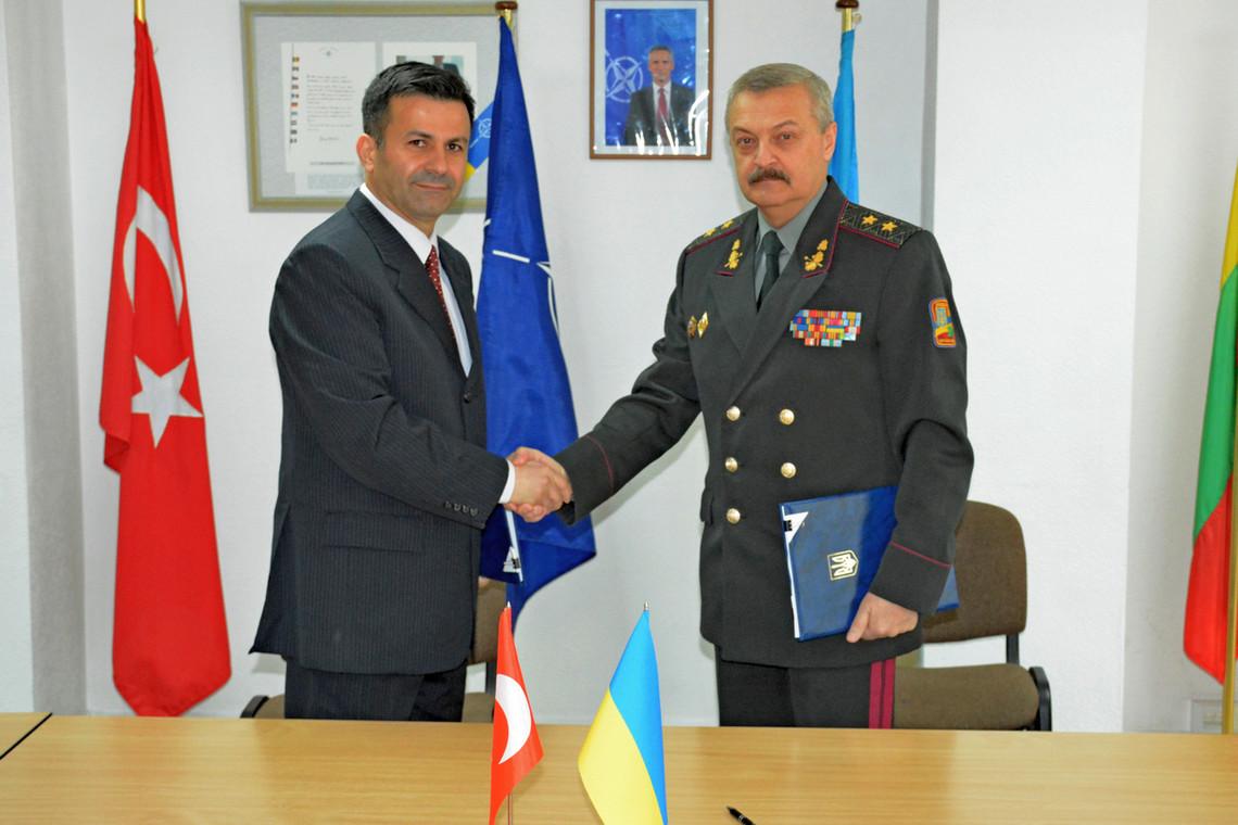 Україна та Туреччина домовилися про військове співробітництво між збройними силами на період до 2020 року.