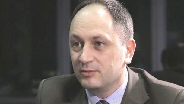 Міністр з питань окупованих територій та внутрішньо переміщених осіб вважає, що Україна не повинна припиняти співпрацю з підприємствами, які функціонують на окупованих територіях.