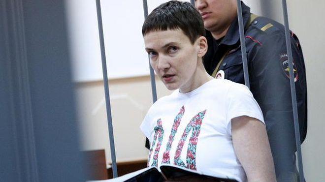 Українська льотчиця Надія Савченко, полонена в РФ, заборонила подавати прохання про її помилування.