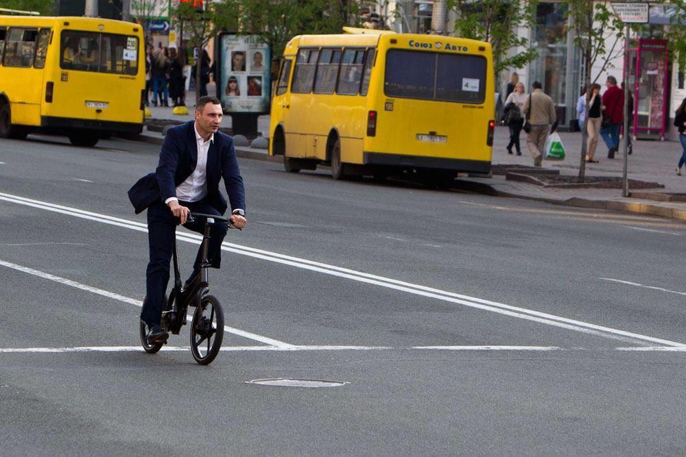 Київський міський голова Віталій Кличко пообіцяв, що вже через кілька років з доріг столиці зникнуть маршрутні таксі.