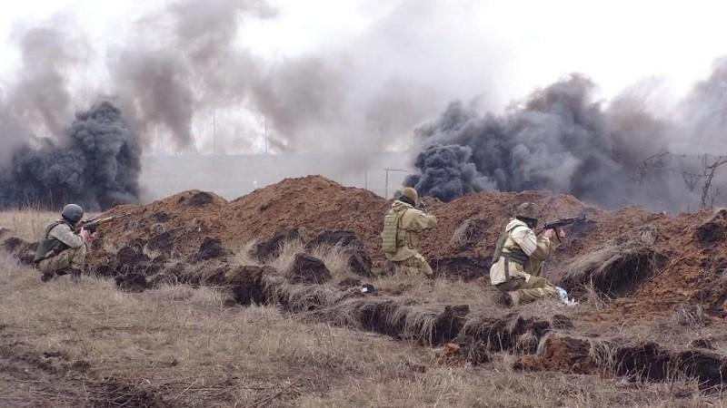 Російсько-терористичні війська наступають з усіх позицій. Вони вже впритул підійшли до лінії розмежування.