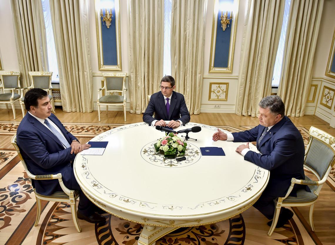 Президент України Петро Порошенко провів зустріч з одеським губернатором Міхеілом Саакашвілі.