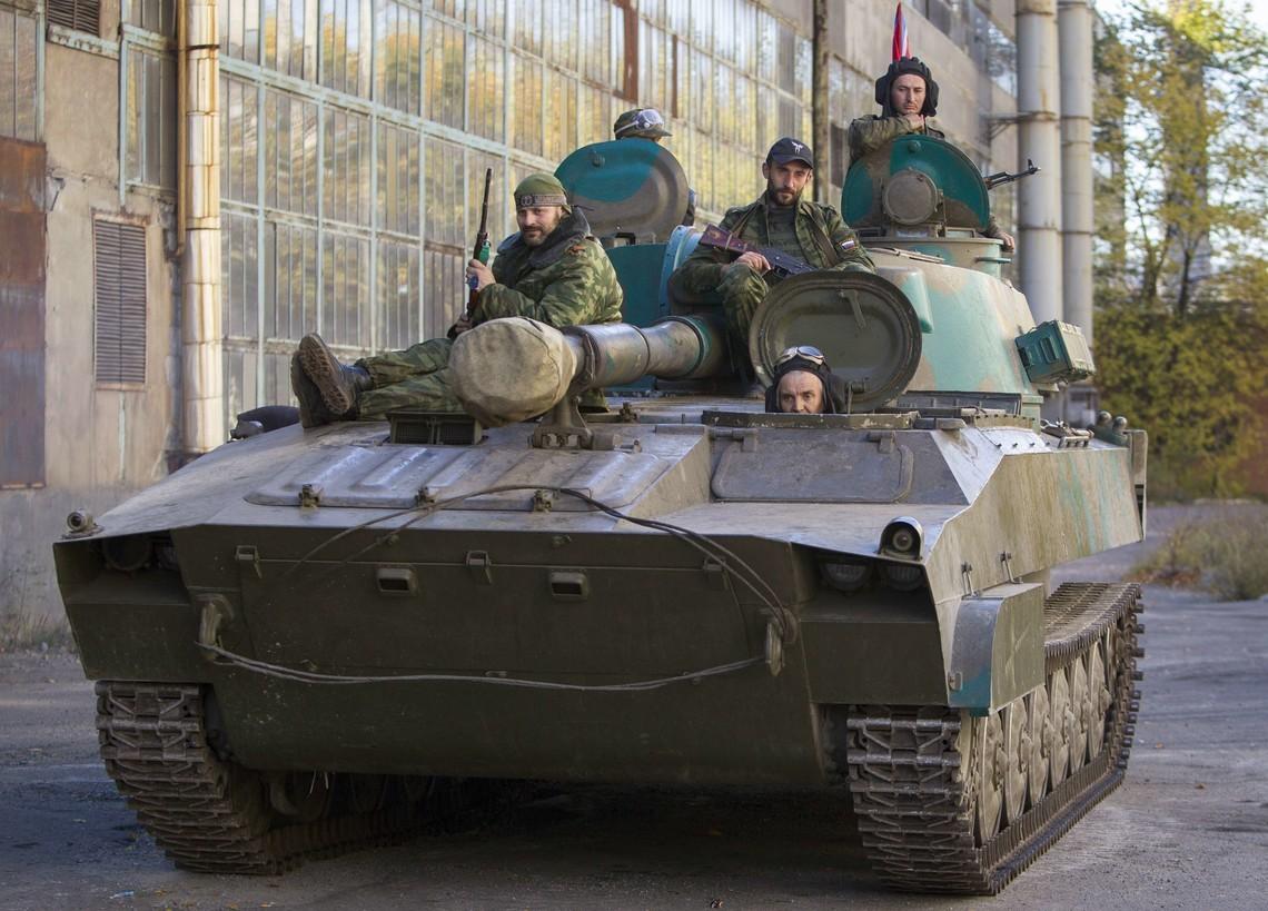Бойовики так званих республік із САУ обстріляли позиції ЗСУ поруч Яснобродівки Донецької області.