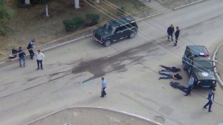 У казахтанському місті Актобе через вчорашню перестрілку влада запровадила найвищий рівень терористичної загрози.