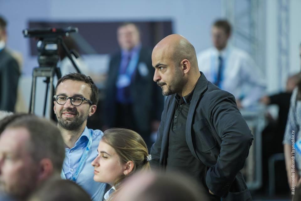 Слово і Діло порівнює відповідальність представників української влади, які раніше працювали журналістами.
