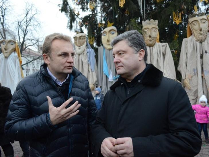 Президент Петро Порошенко висловився проти політизації проблеми з вивезенням сміття в місті Львові.