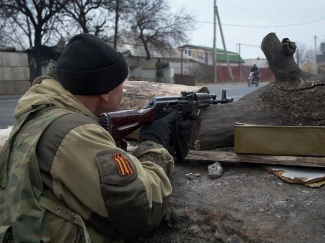 На Донбасі проросійські бойовики обстрілювали позиції українські позиції із заборонених мінометів.