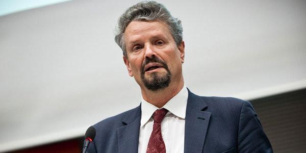 Уряд Німеччини не може визначитися з форматом озброєної місії ОБСЄ, яку планують відправити на Донбас.