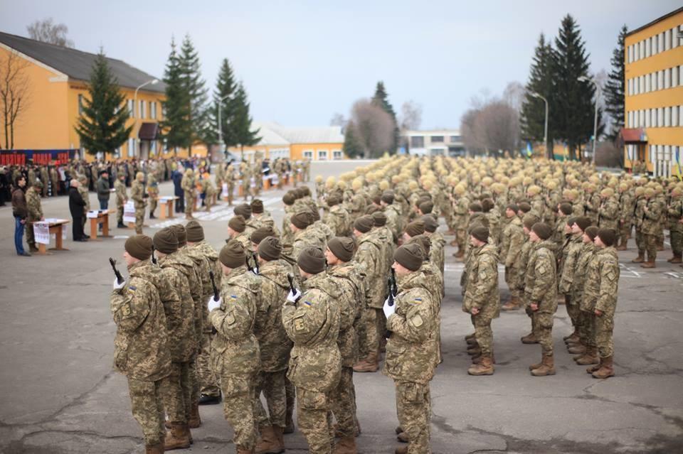 Ще кілька тисяч людей готуються підписати контракт із українською армією найближчим часом.