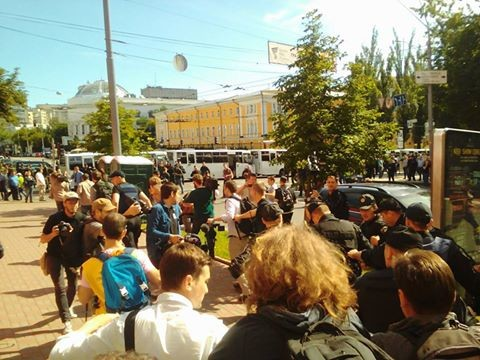 Агресивного супротивника маршу рівності поліція затримала в результаті спроби спровокувати конфлікт.