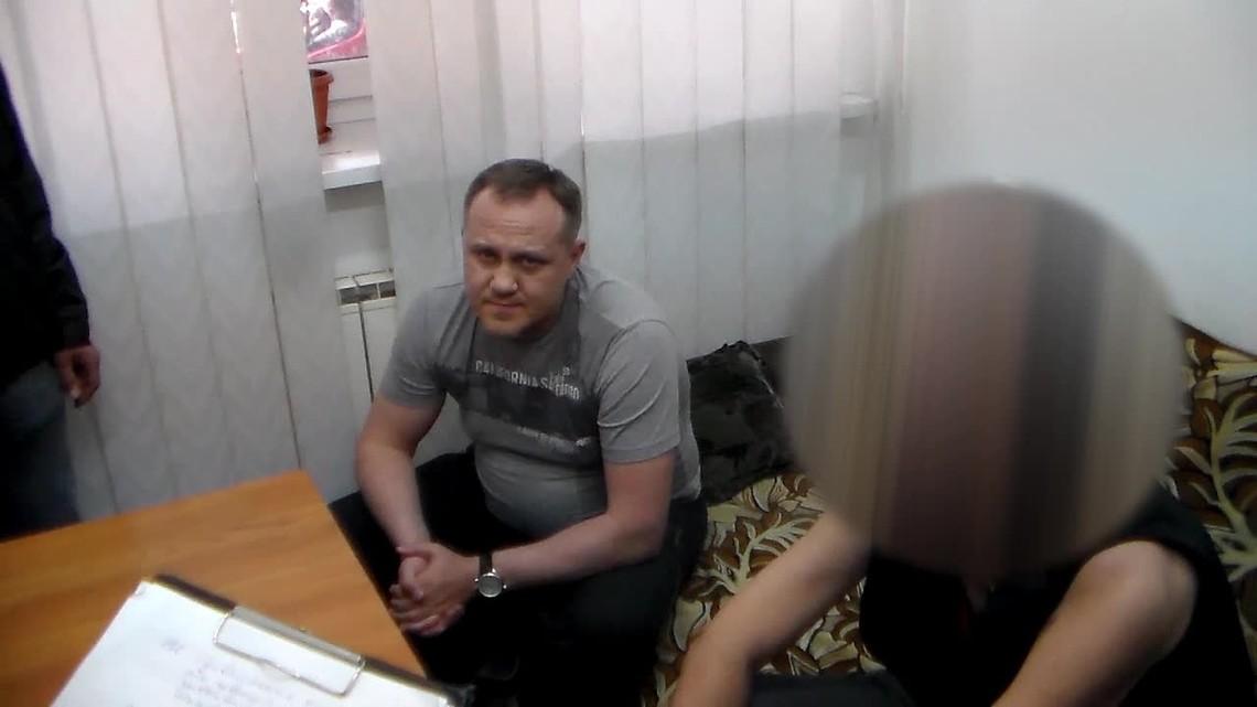 ГПУ спільно з підрозділами СБУ затримала Андрія Кошеля, колишнього топ-менеджера компанії СЄПЕК, якою володіє Сергій Курченко.