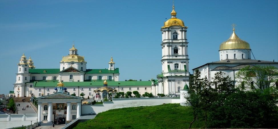 Народні депутати України пропонують повернути у власність держави Києво-Печерську та Почаївську лаври.