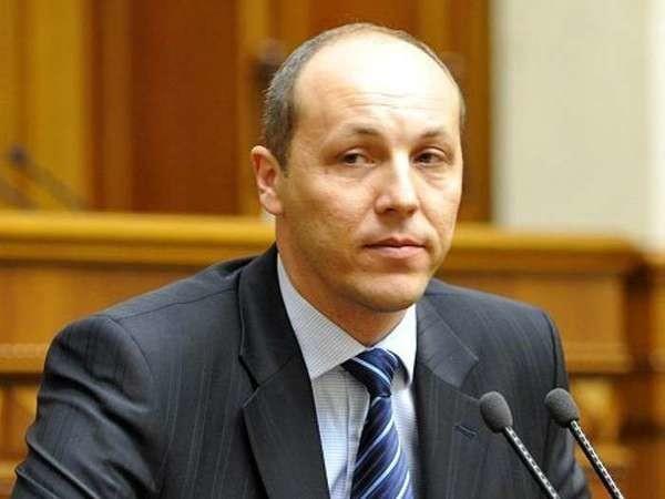 Голова Верховної Ради Андрій Парубій сьогодні підписав закон про спрощення імпорту вживаних автомобілів.