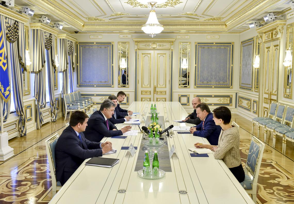 Президент України Петро Порошенко провів зустріч із президентом Парламентської асамблеї ОБСЄ Ілккою Канервою.