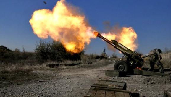 Проросійські бойовики на Донбасі відкривали вогонь по позиціях українських військових із мінометів і танків.