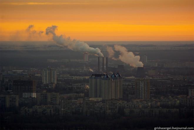 В даний момент Дарницька ТЕС (Київ), Сумська ТЕЦ та Чернігівська ТЕЦ реалізують проекти із заміщення природного газу на вугілля українського видобутку.