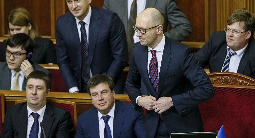В якості головного досягнення уряду Яценюка респонденти вказали програму субсидій для населення. Такої точки зору дотримуються 25,8% опитаних.