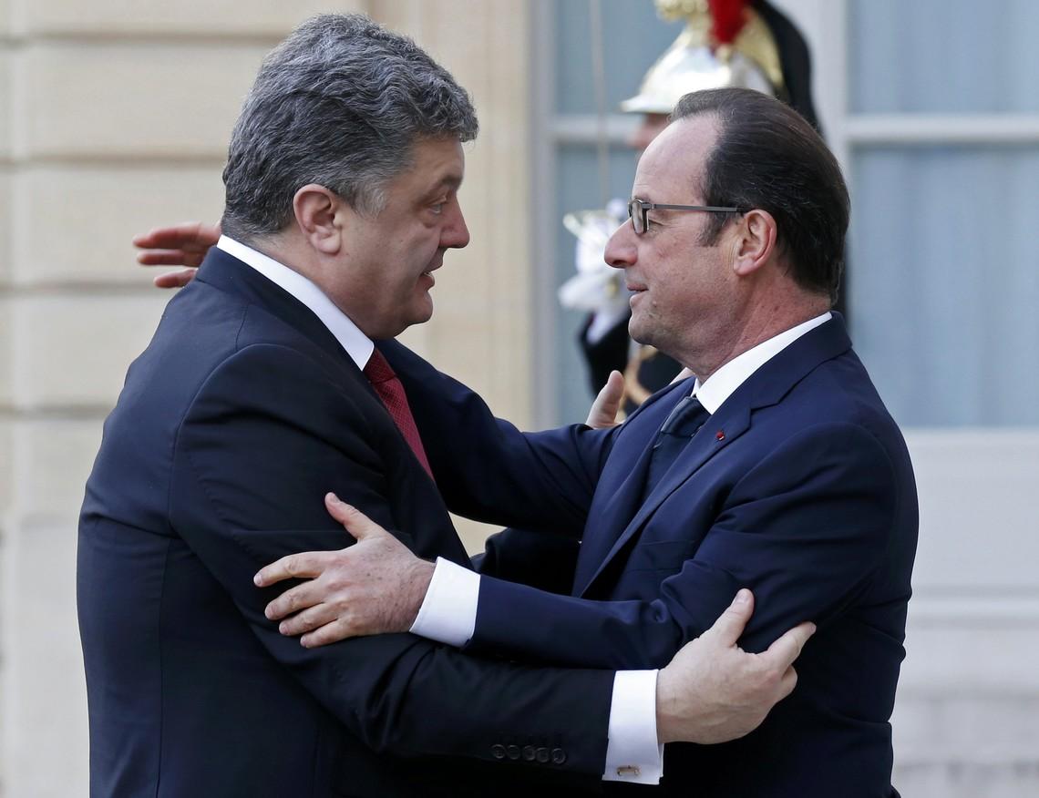 Порошенко та Олланд обговорять санкції проти Росії, припинення війни на Донбасі та відновлення українського суверенітету.