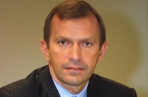 У Генеральній прокуратурі розповіли, що проводять обшук у Клюєва з метою визначити його місце перебування.