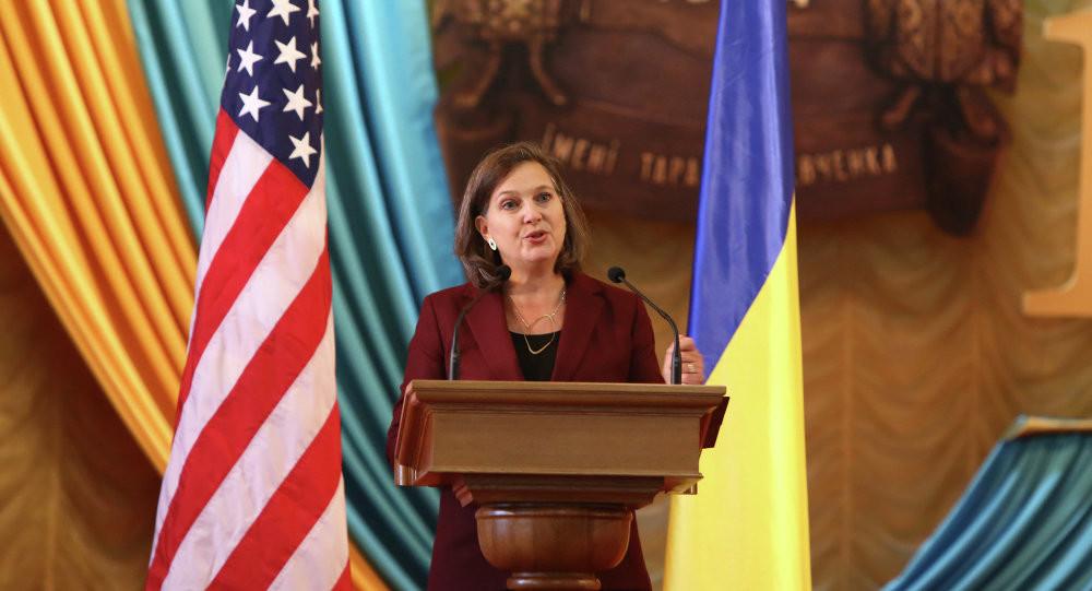 Офіційний уповноважений Держдепу США у справах Європи та Євразії Вікторія Нуланд прилетіла до Києва для переговорів про прогрес у виконанні Мінських угод.
