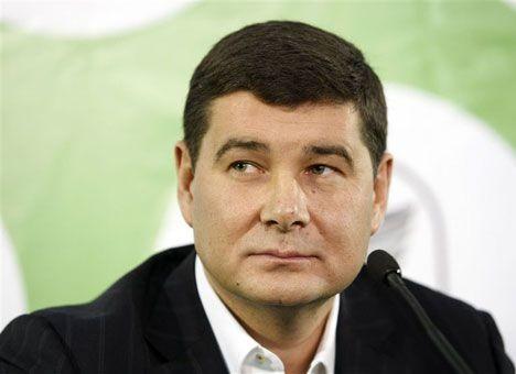 Нардеп Олександр Онищенко залишить територію України до голосування за зняття депутатської недоторканності.