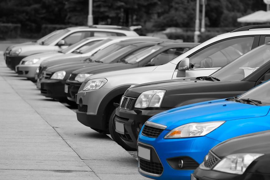 Кілька десятків народних депутатів звернулися до Президента Петра Порошенка з проханням найближчим часом підписати закон про зменшення акцизів на імпорт вживаних автомобілів.