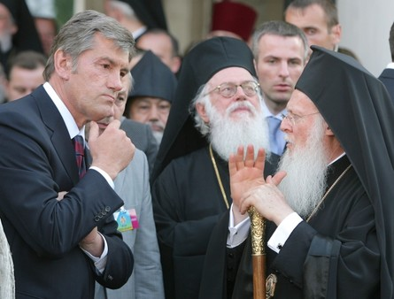 Какая судьба ждет украинское православие и решиться ли Вселенский Патриархат подарить Украинской православной Церкви независимость от РПЦ