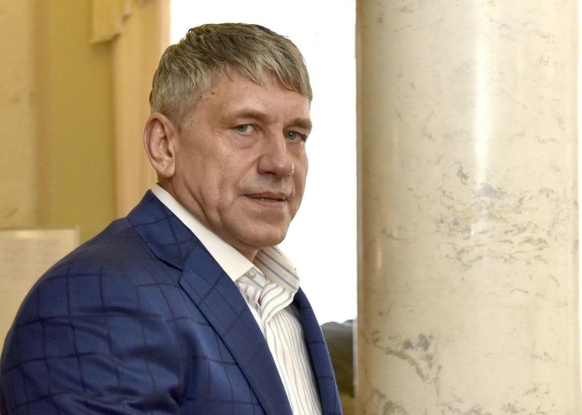 В березні 2016 року виконавча служба наклала арешт на банківські рахунки і деяке майно компанії Енергоатом на загальну суму 200 млрд грн.