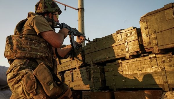 За останню добу в зоні проведення антитерористичної операції загинули 2 українських військовослужбовців.