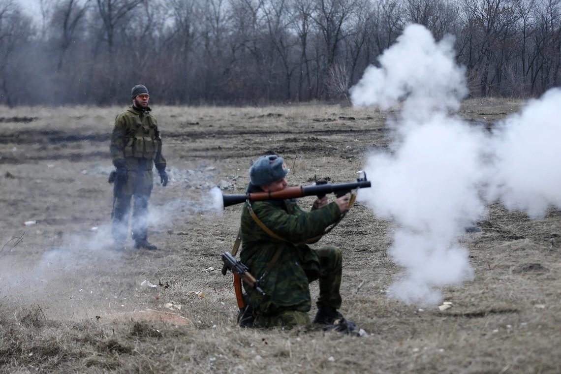 Проросійські бандформування з гранатометів обстріляли один з контрольних пунктів української армії.