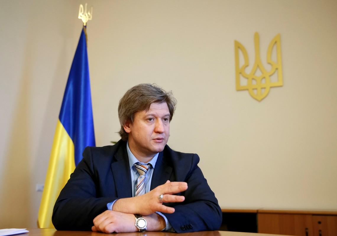 Олександр Данилюк також відзначив злагоджену позицію Мінфіну та МОН про необхідність вирішення цих питань до початку нового навчального року.