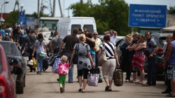 На Миколаївщині СБУ викрила факти незаконних виплат псевдопереселенцям. Після повернення на непідконтрольні території кошти продовжили отримувати понад 250 людей.