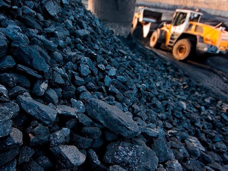 Запаси вугілля на складах теплових електростанцій України в зазначений період символічно зменшилися на 0,1 відсотка – з 1 млн 207,7 тис. тонн до 1 млн 206,1 тис. тонн.