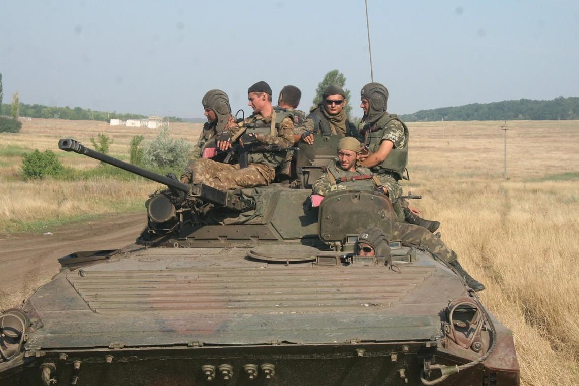 За минулу добу війська терористів втратили чотирьох бойовиків, ще троє бандитів отримали поранення.
